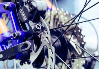 Freni a disco della mountain bike che fischiano: perché?