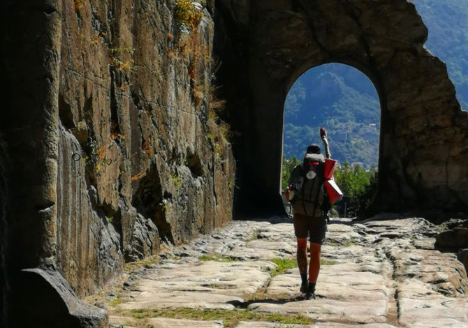 La mia Via Francigena a piedi: dal Gran San Bernardo in Svizzera all'Italia-2