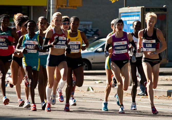 Le donne sono maratonete migliori degli uomini