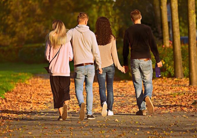 nuovo-dpcm-si-puo-uscire-per-una-passeggiata-con-parenti-e-amici