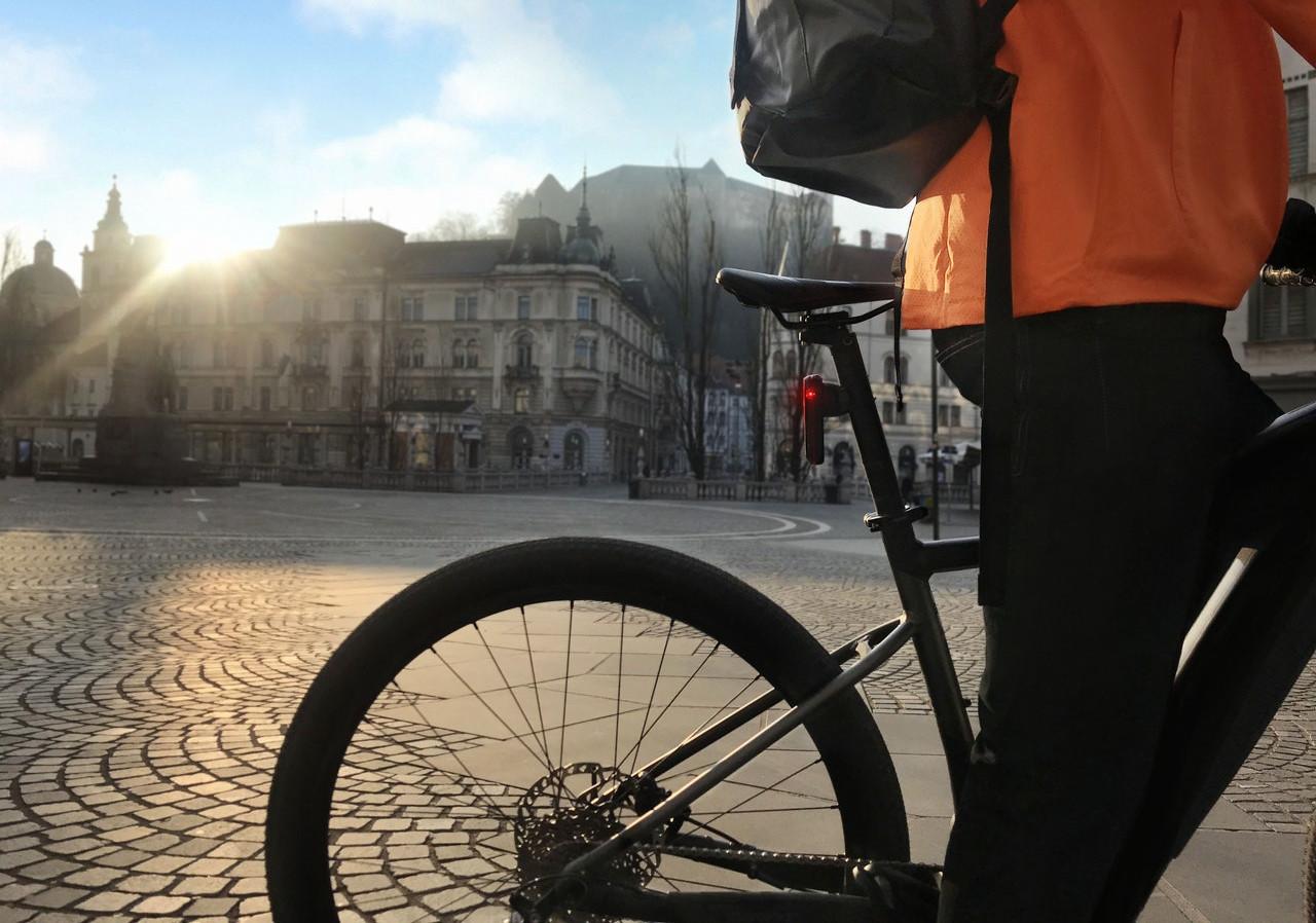 E-bike commuting: i gadget indispensabili per praticità e sicurezza