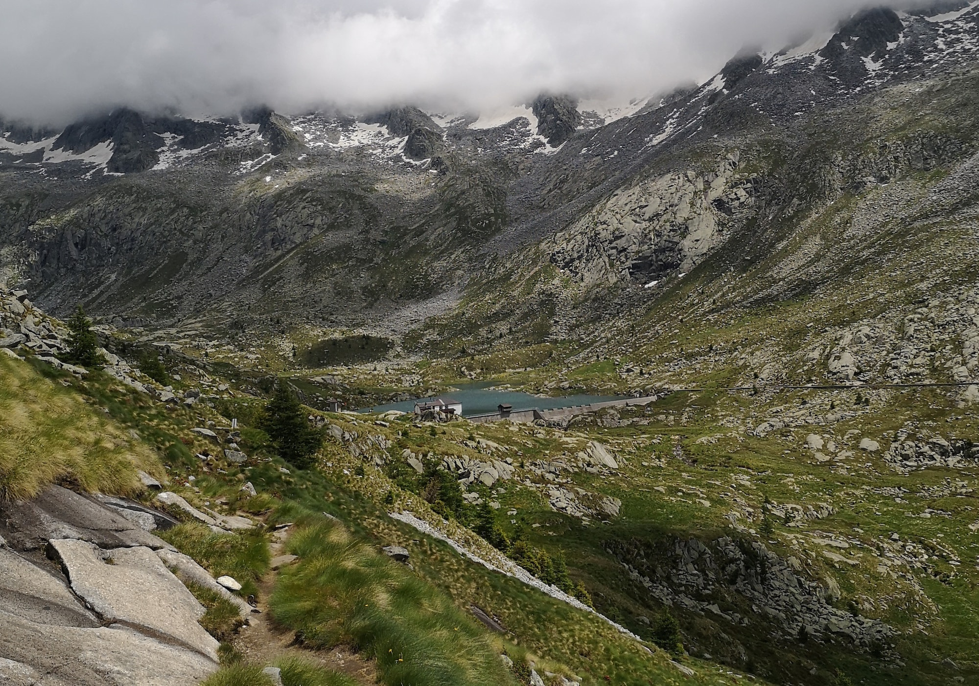 escursioni-in-lombardia-trekking-al-rifugio-gnutti-e-al-rifugio-baitone-sentieri