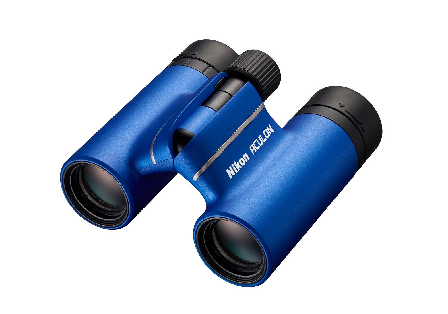 Binocolo Nikon ACULON T02: leggero, compatto, di stile
