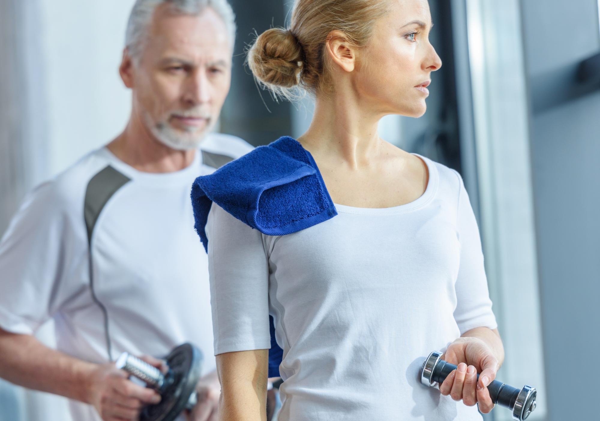 Allenare la forza dopo i 50 anni: perché cambia la vita a uomini e donne