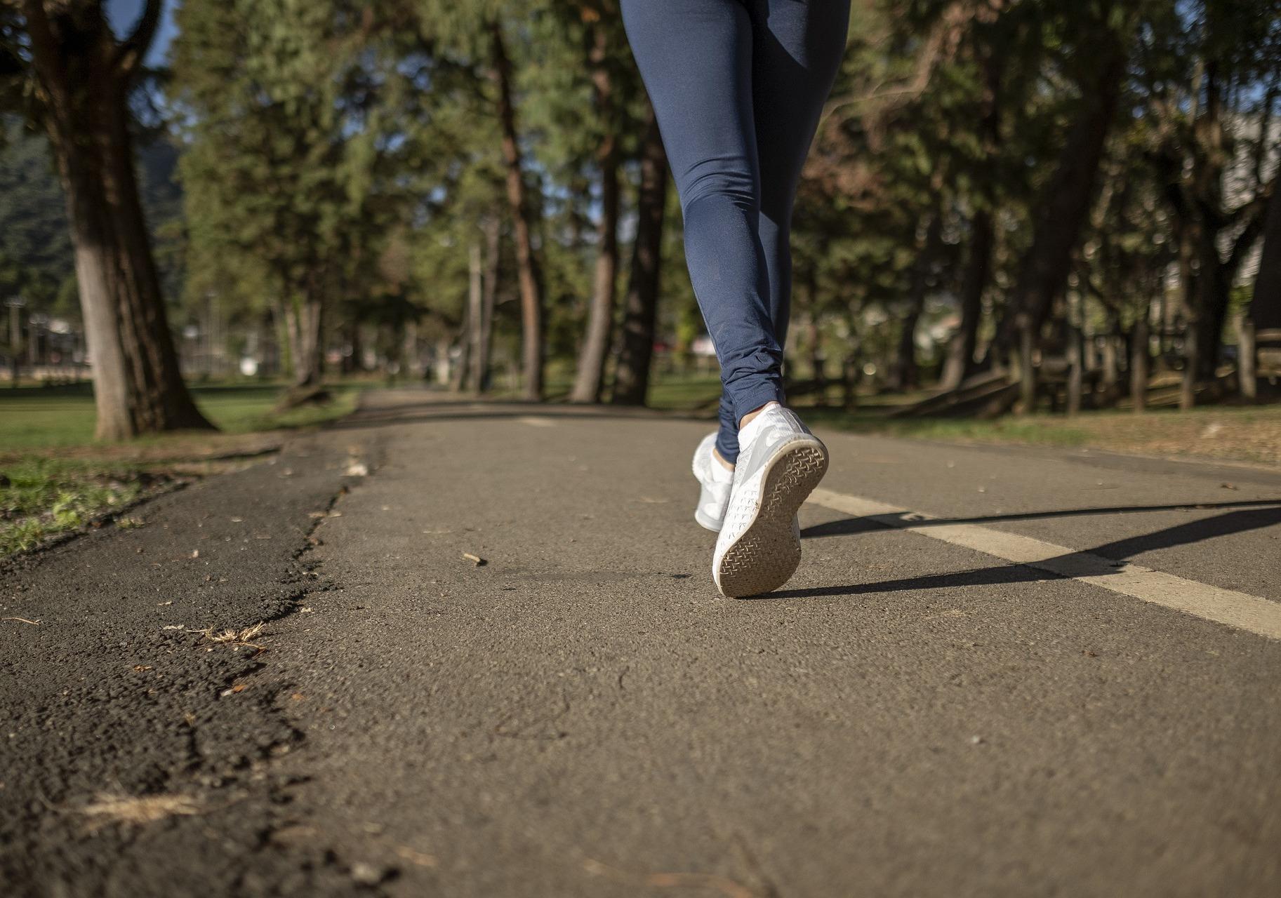 Male ai piedi dopo una camminata: perché viene e come farlo passare