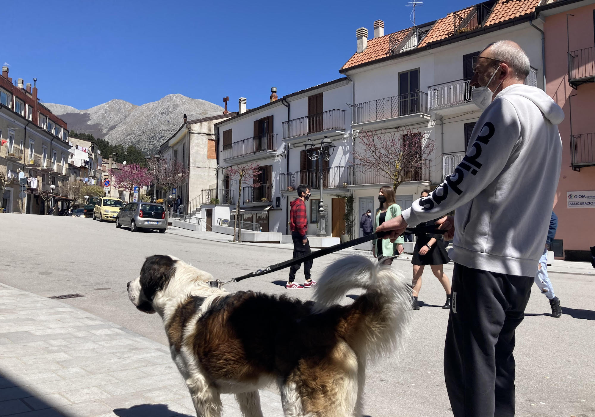 latronico-basilicata-e-il-primo-borgo-per-i-cani
