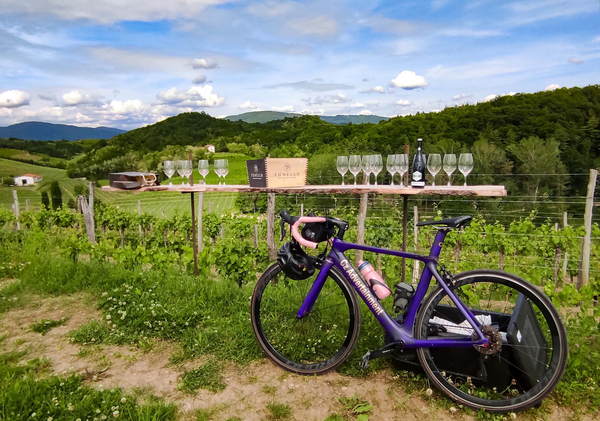 Colli Orientali del Friuli in bicicletta, un territorio per tutti e tutto da degustare