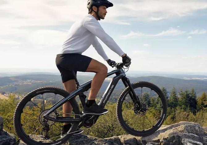 le-prime-bici-elettriche-di-porsche-ebike-sport-ed-ebike-cross