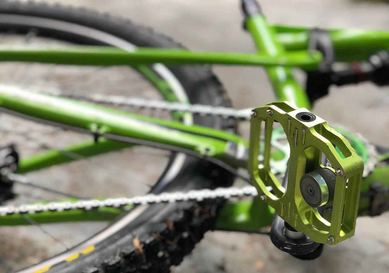 Pro e contro dei pedali magnetici per la bici: MTB, gravel e anche road