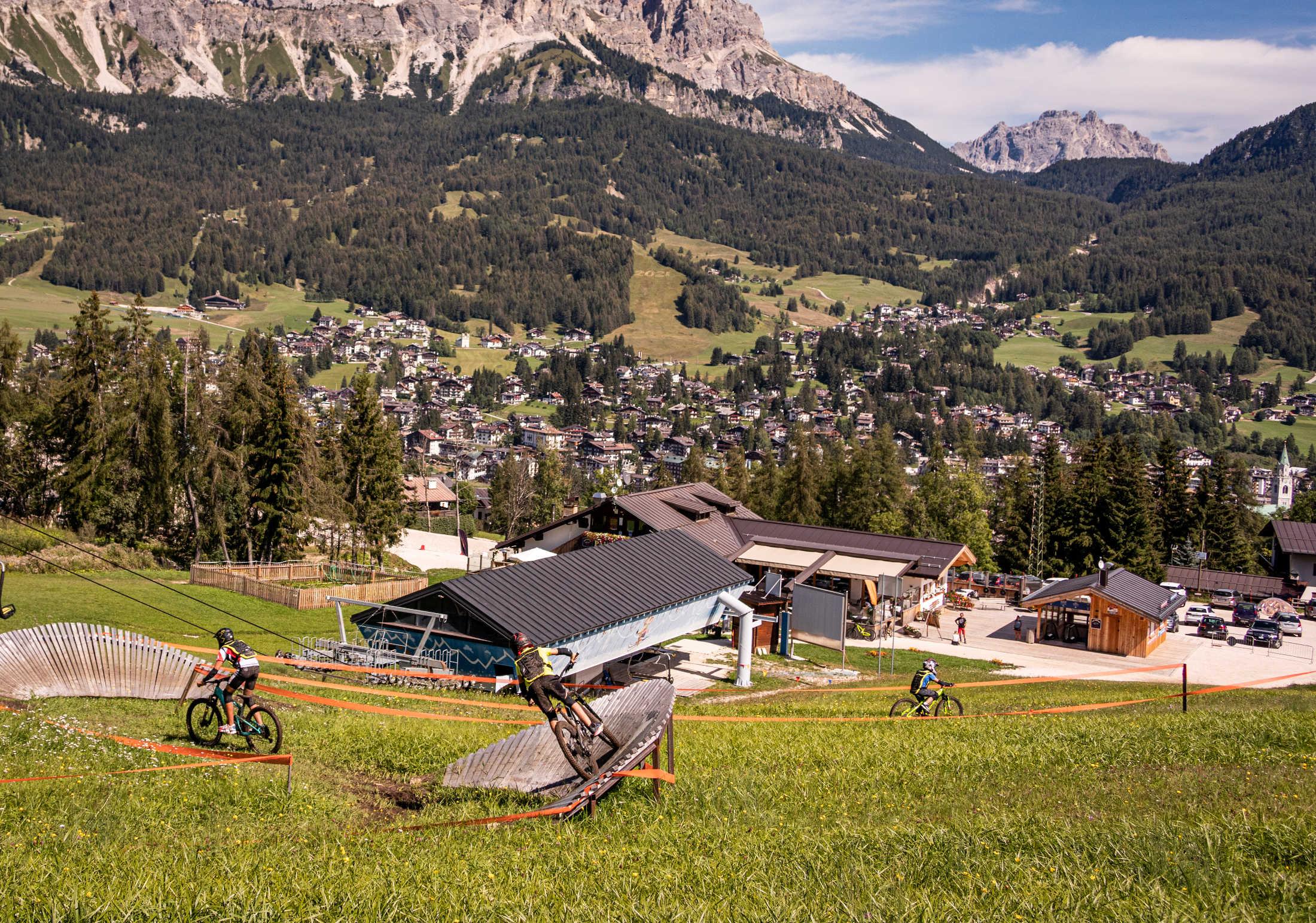 Socrepes, Pocol, Tofana: le montagne di Cortina d'Ampezzo per bikers, escursionisti e scalatori