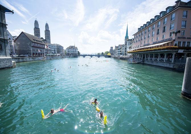 viaggio-zurigo-cosa-fare-nuoto