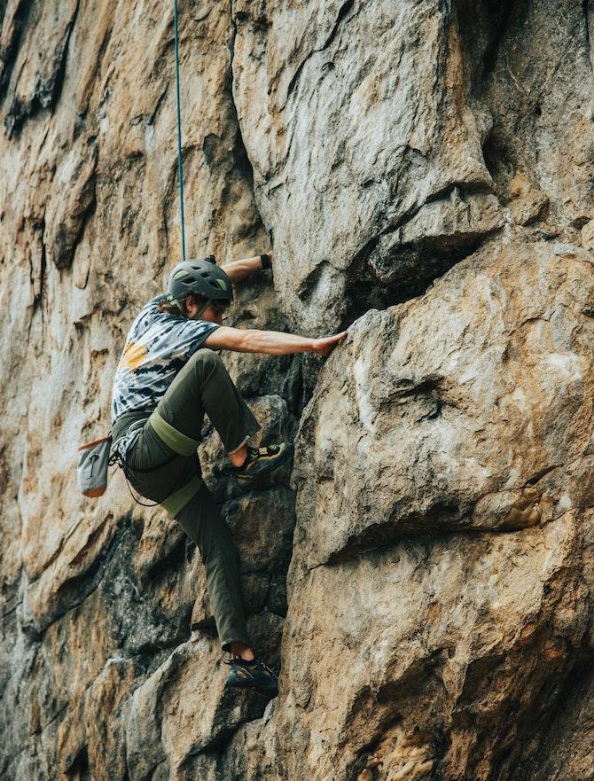 arrampicare-in-falesia-la-scala-di-difficolta-parete
