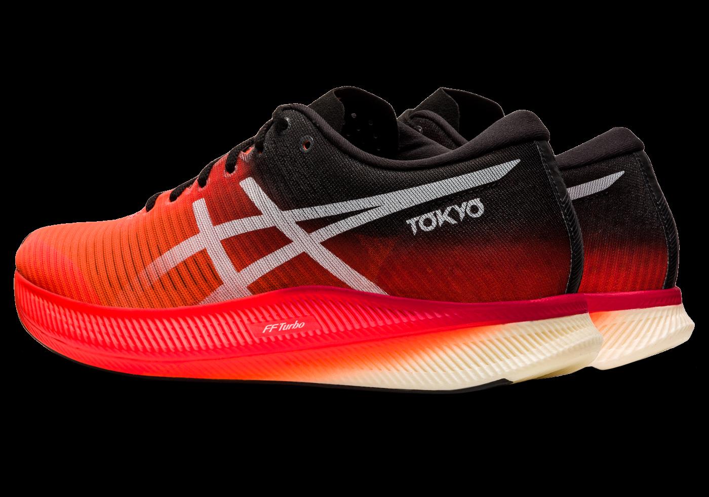 scarpe da running con la piastra in carbonio