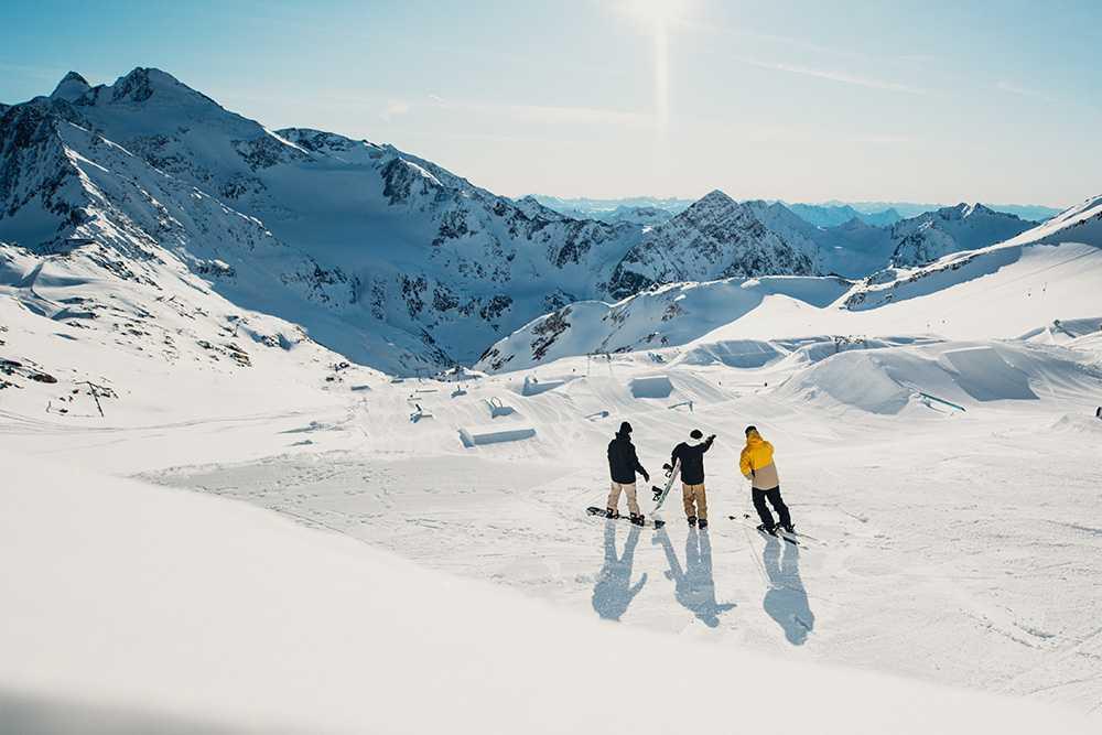 Sciare sui ghiacciai del Tirolo Stubaier Gletscher